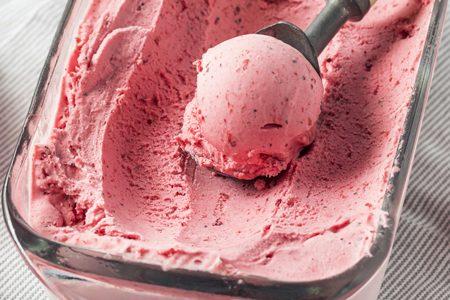 Gelato fatto in casa senza gelatiera in 3 minuti