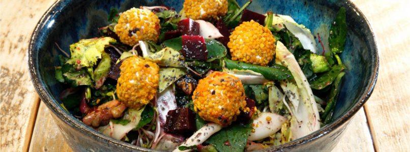 Come si prepara l'insalatona perfetta: i consigli della naturopata
