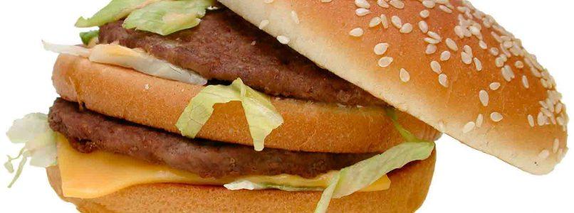 Lancia un hamburger nello spazio per scoprire che sapore ha