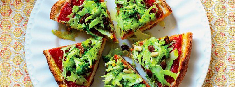 Ricetta Pizzetta di pane con broccoli, uvetta e pinoli