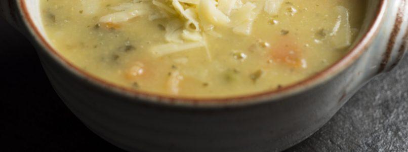 Riso, cipolle, carote, aglio e sedano: la minestra perfetta